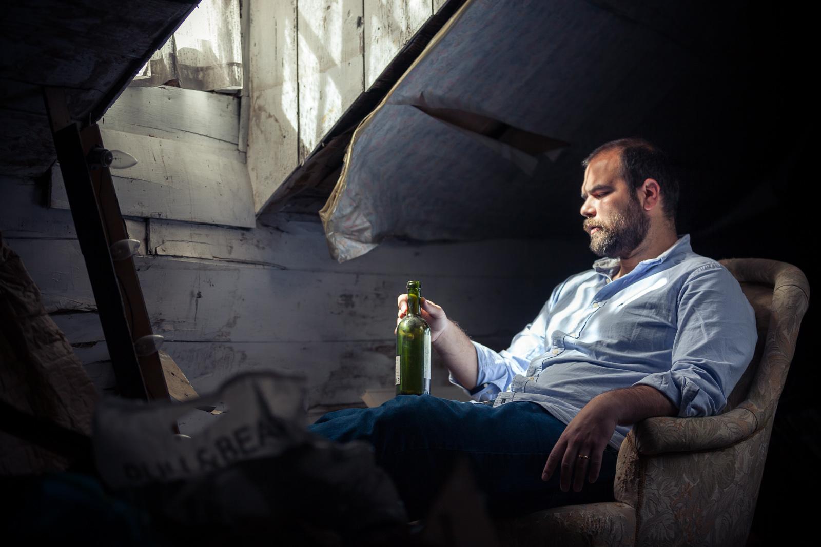 retrato-sotao-pensativo-garrafa-MarcoGaspar-IMG_1326